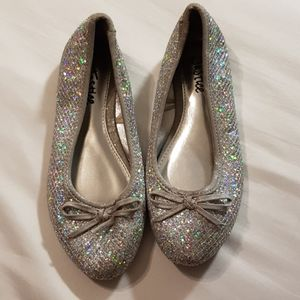 Silver sparkly girls shoes 1 1/2